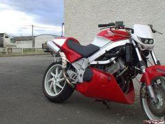 honda-vfr750-90-bikepics-064619.jpg