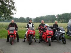 From right V4 Rosso, Doug (Douglasthecook), Dutchy and me. R