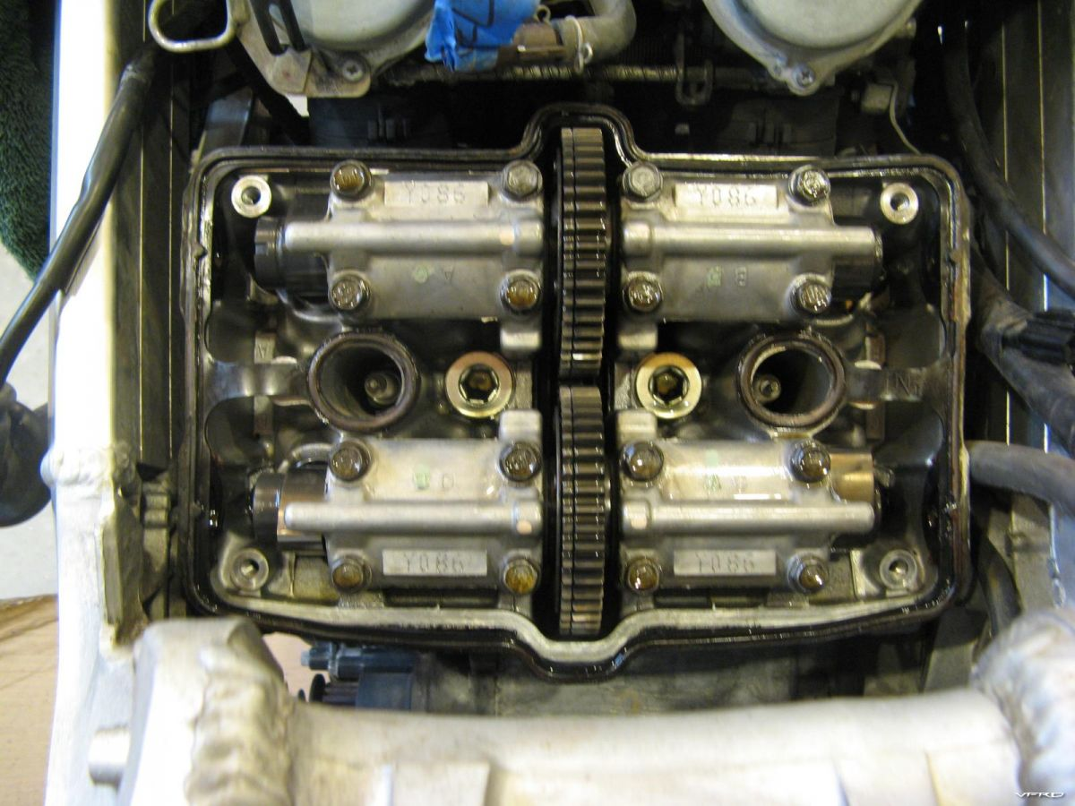 3rd generation with rear valve cover removed