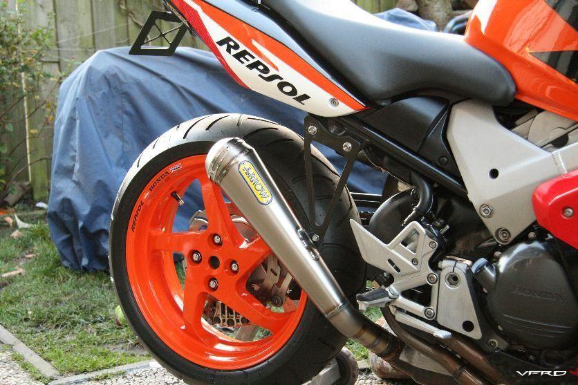 2004 VFR800A