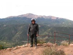 Thats me in front of Pikes Peak