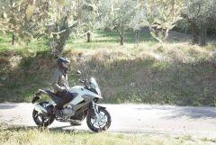 110210-2011-honda-crossrunner-17.jpg