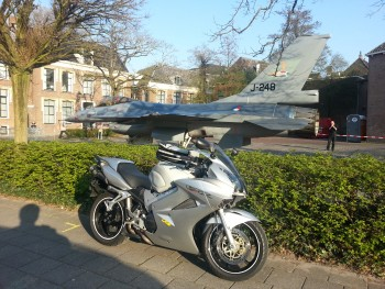 F-16 v V4, downtown Leeuwarden (NL)