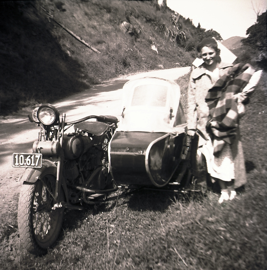 Late thirties 1925 Harley Davidson 1000 with side car North Island, NZ (2)