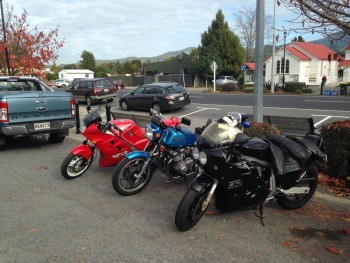 The VFR with old Suzuki friends on a Saturday run, Waikato, NZ, 2014.