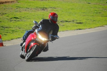 VFR1200 Marulan track day 1