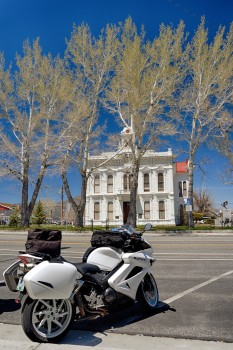 20 - courthouse in Bridgeport, Cal