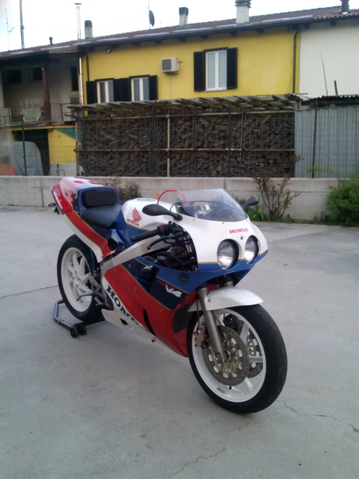 my vfr 750 f replica