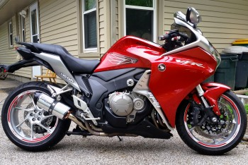 2010 VFR1200 Saddelmen Seat and shortened Two Brothers Exhaust