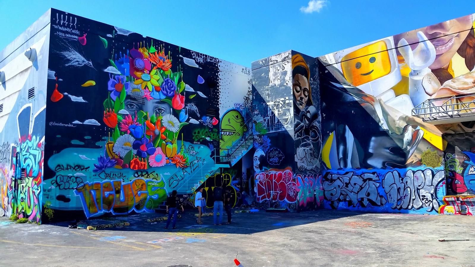 Honda VFR Wynwod Walls building graffiti