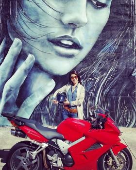 Honda VFR Wynwood Walls girl graffiti