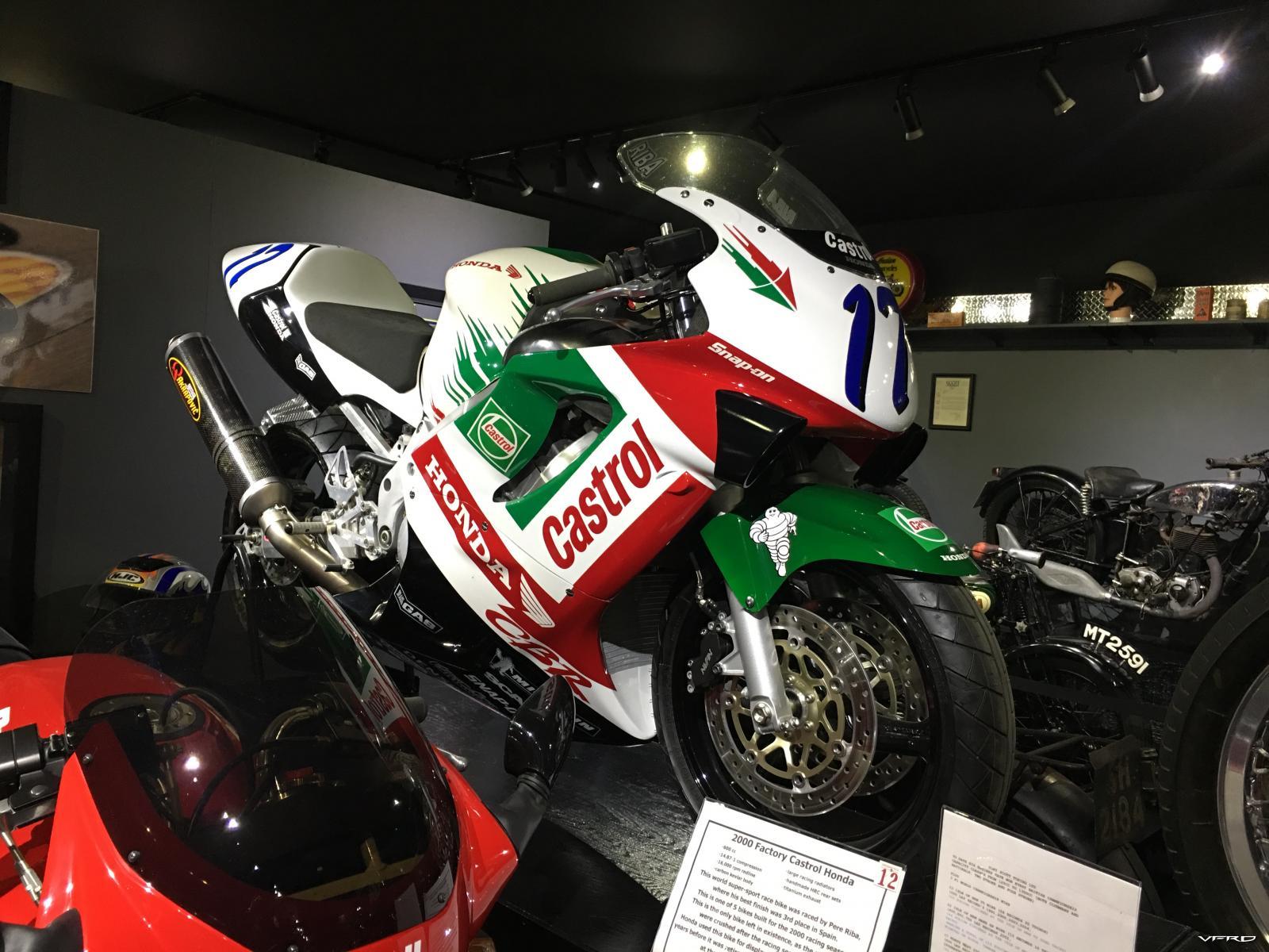 2000 Factory Castrol Honda