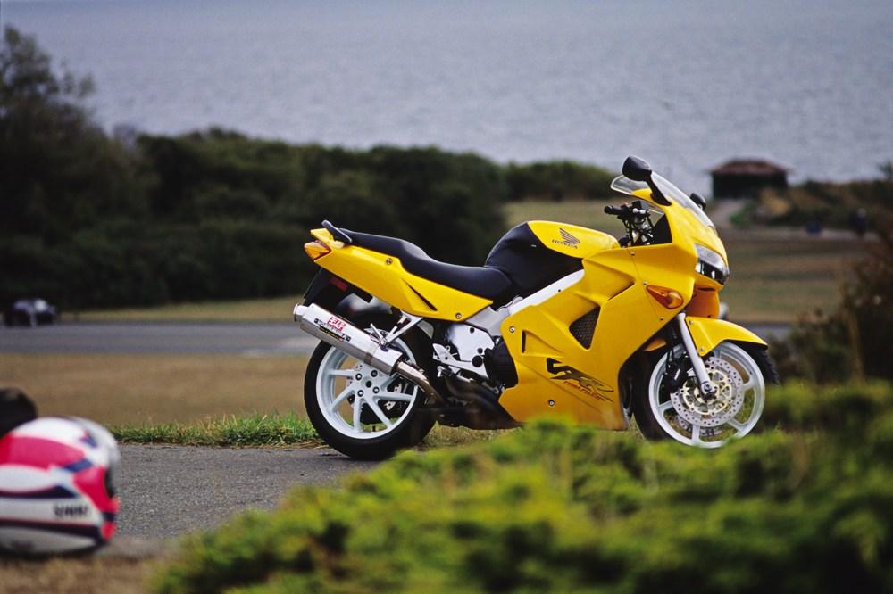 '99 VFR800 004.jpg