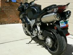 4VFR 06 LS.JPG