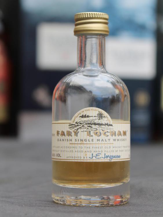 whisky2.thumb.jpg.71c2f529c5f345ecd910d1ed1f4e5c3d.jpg