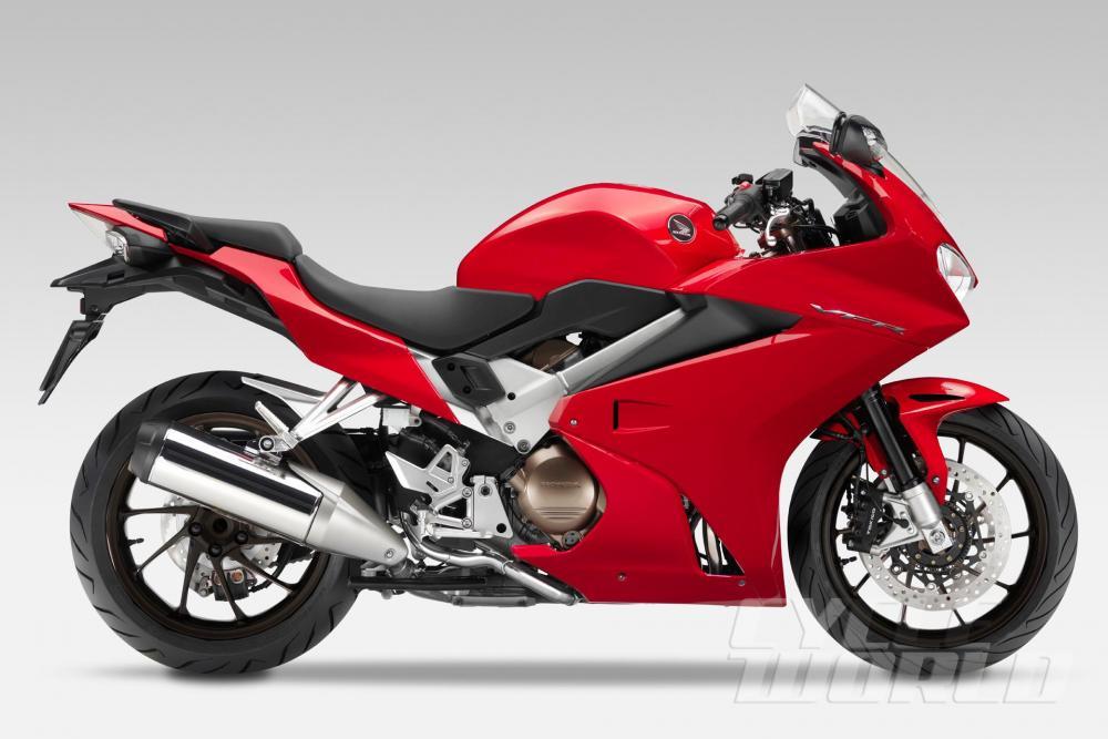 red vfr 800 2014 with blk wheelsjpg.jpg